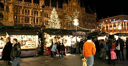 Marienplatz Weihnachtsmarkt.Beginn Der Weihnachtszeit Christkindlmarkt Am Marienplatz